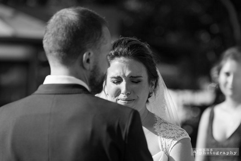Sarah crying as she hears Ray say his vows